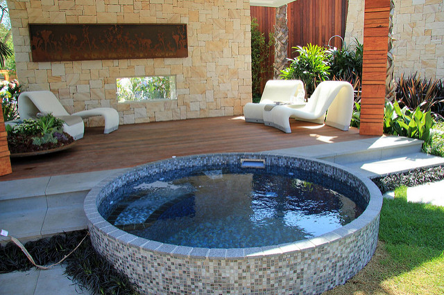 Coolest pool design concepts of 2017 alexander family for Pool design trends 2017